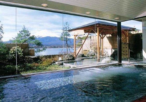 秀峰閣湖月飯店