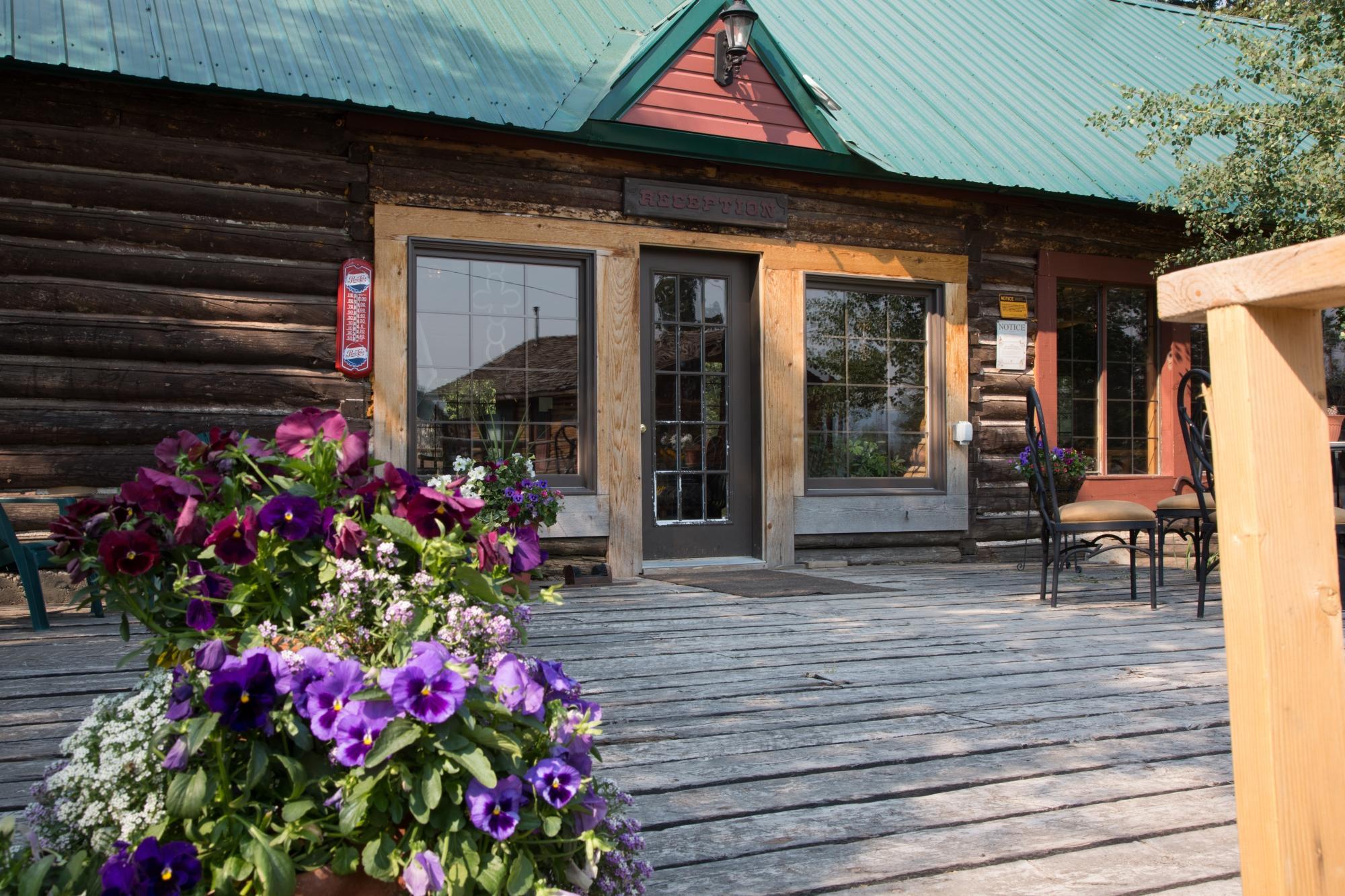 Medicine Bow Lodge