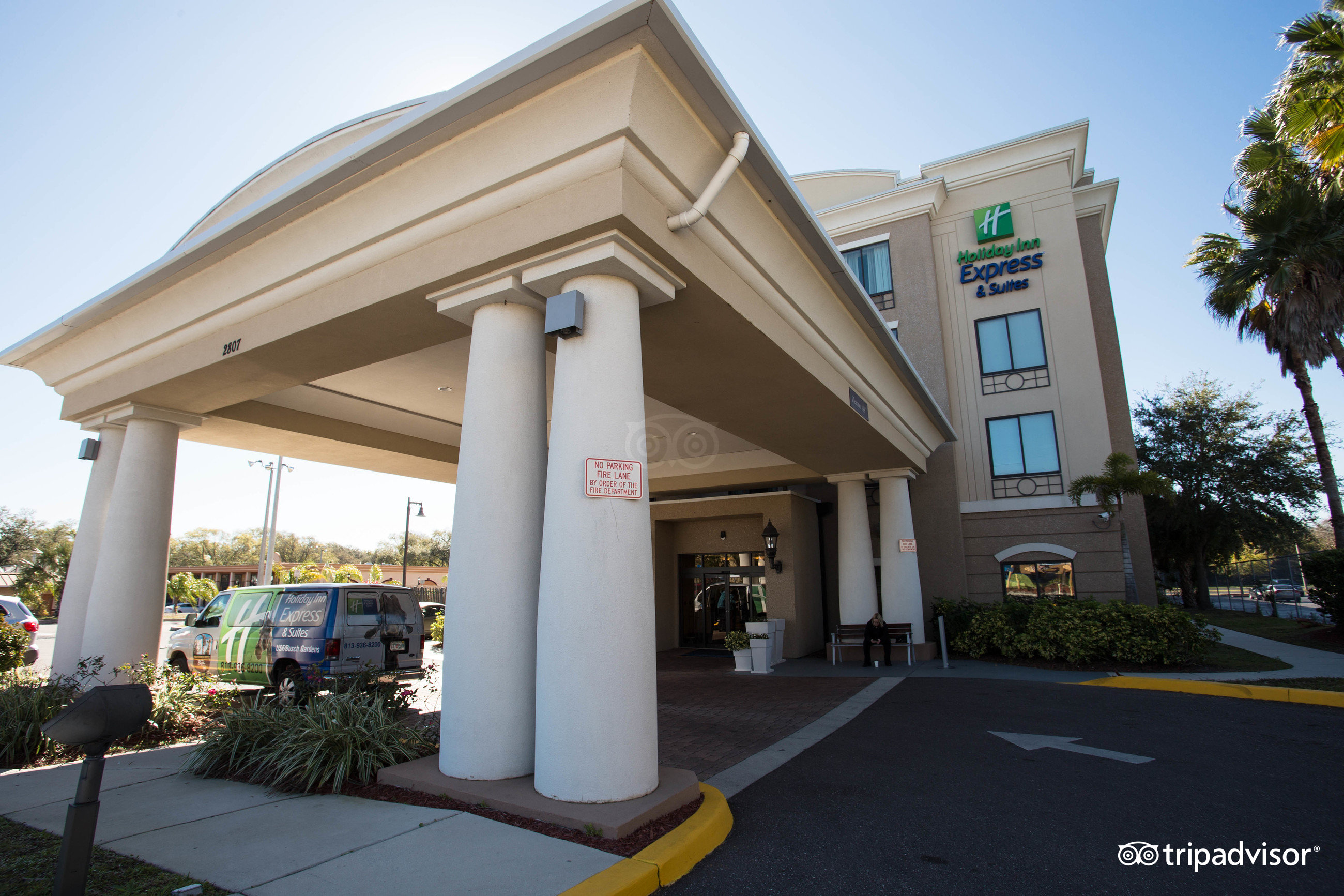 Holiday Inn Hotel Suites Tampa Near Busch Gardens Usf