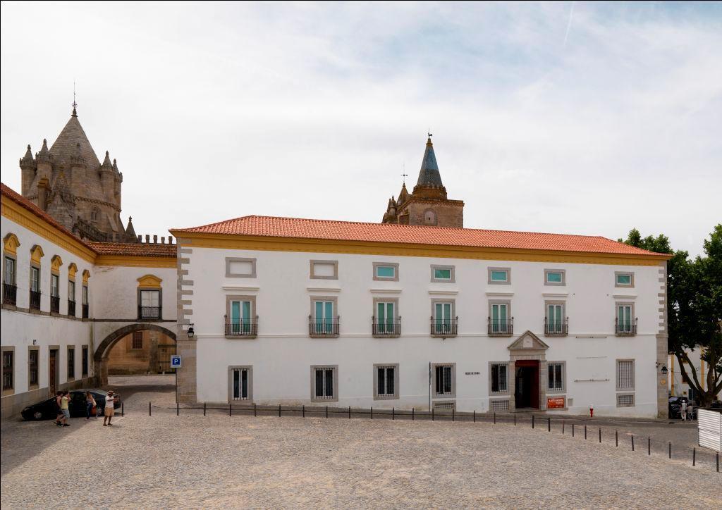 Resultado de imagem para Museu de Évora