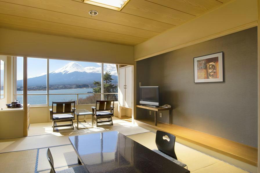 富士河口湖邊 宿尼德度假飯店