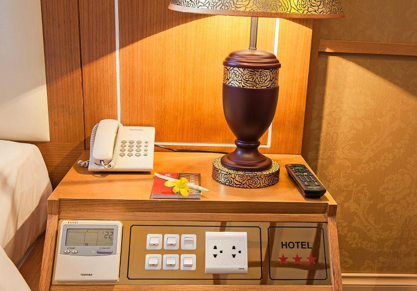 Nesta Hanoi Hotel - To Hien Thanh