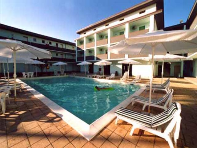 Principina a Mare Italy  city images : Residence Verde Pineta Principina a Mare, Italy Apartment Reviews ...