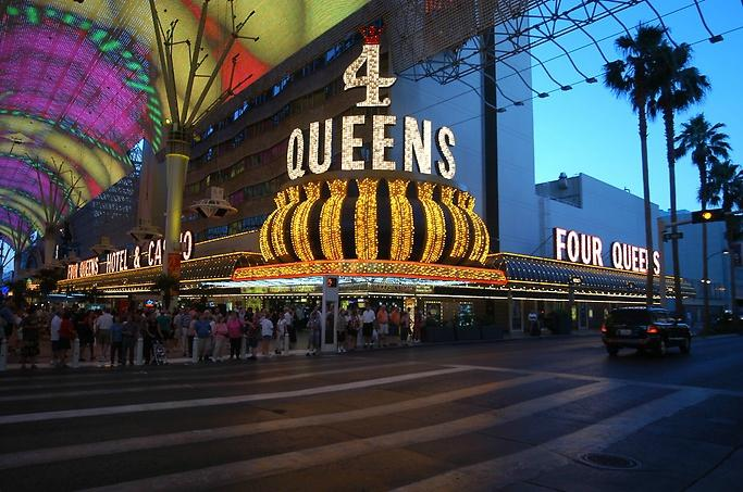 4 queen casino used canadian slot machines