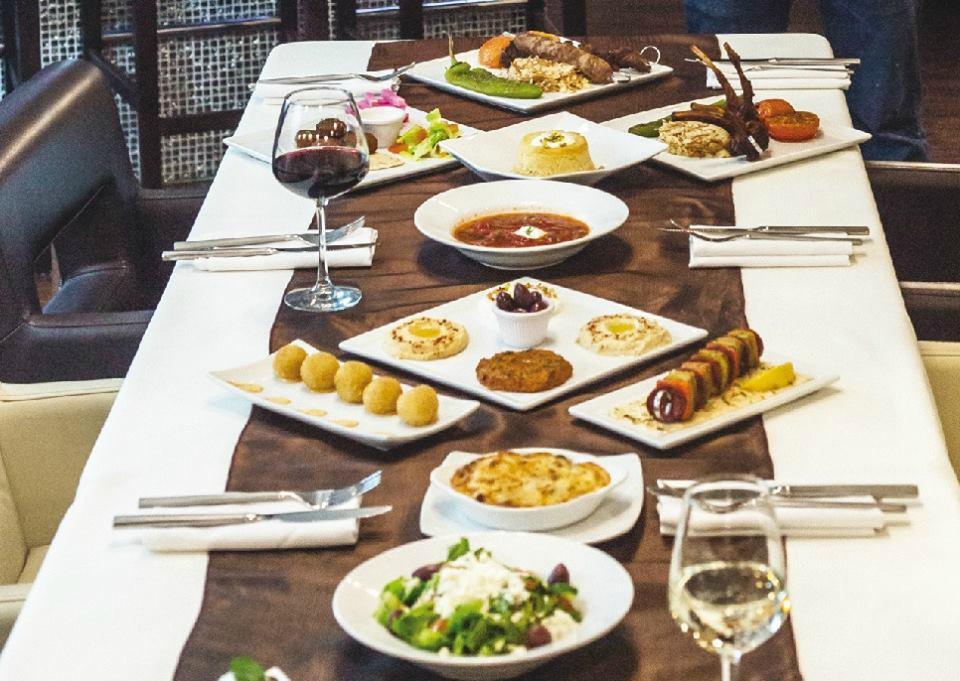 Ararat restaurant bar ensenada restaurant reviews for Ararat armenian cuisine