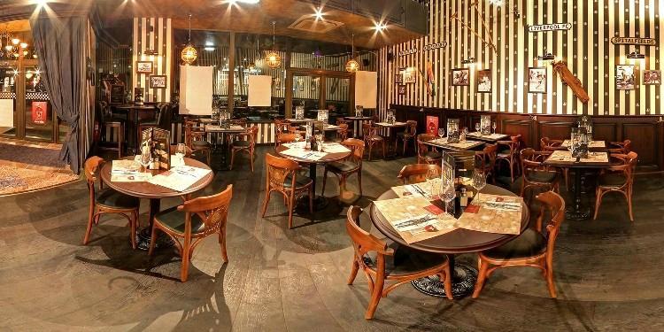 Au bureau montpellier 1 place de france restaurant for O bureau restaurant