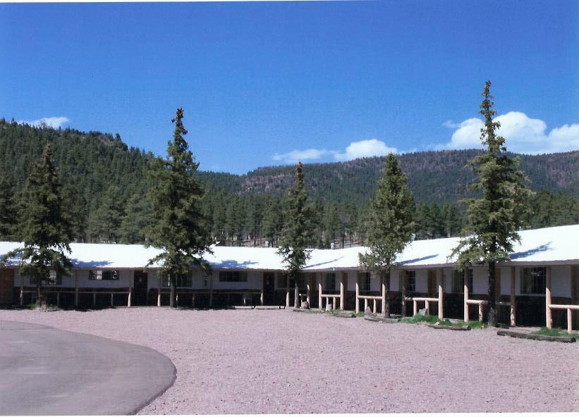 Sportsman Lodge