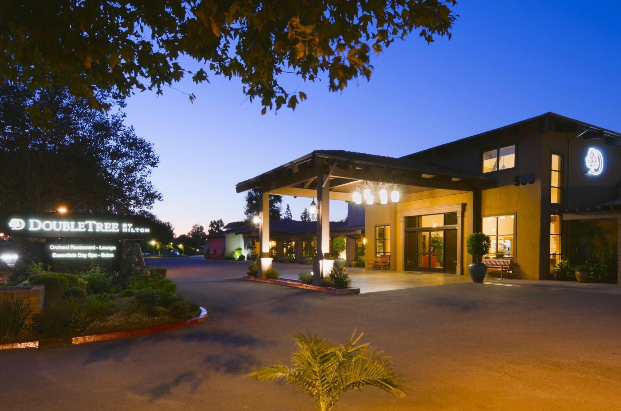 Doubletree Hotel Claremont