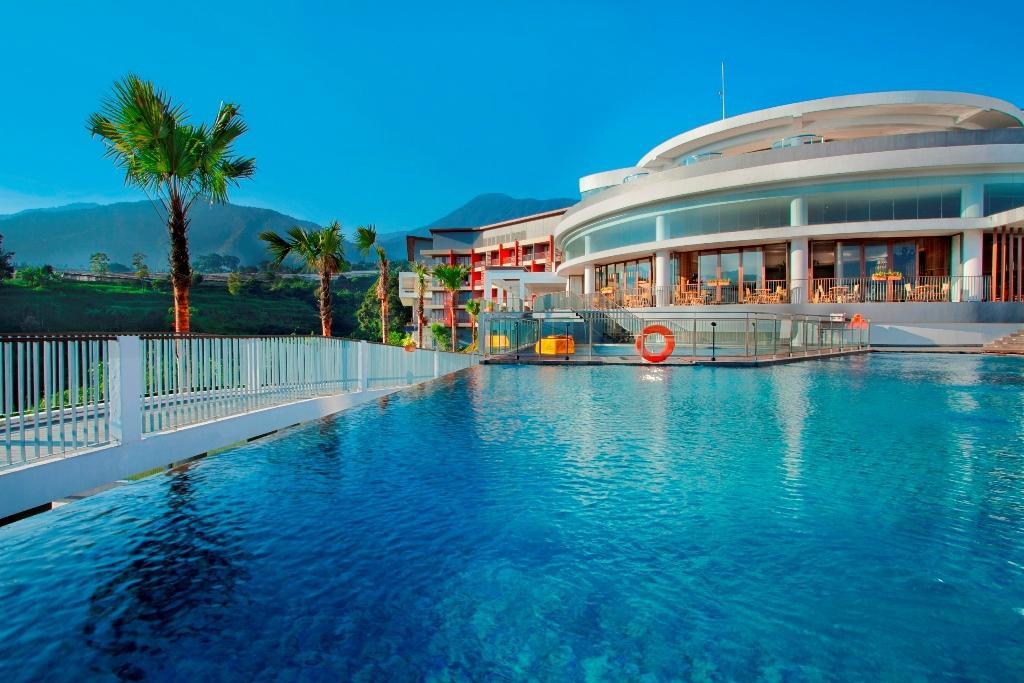 Pesona Alam Resort Spa 56 79