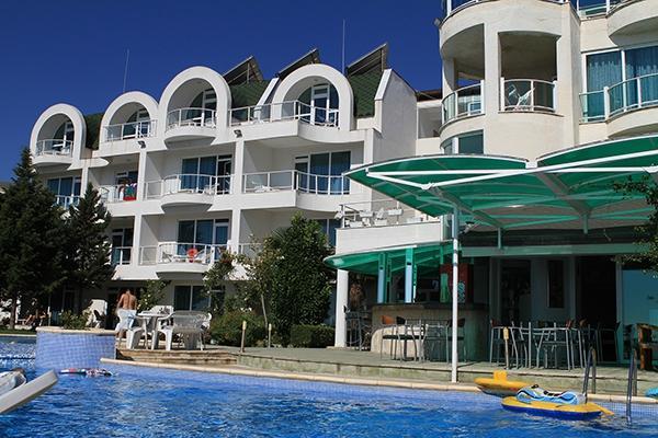 Peter Hotel