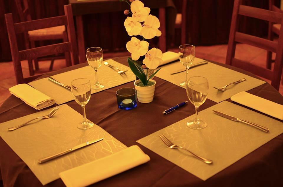 L 39 auberge de la croix blanche combreux restaurant avis for Le bureau croix blanche