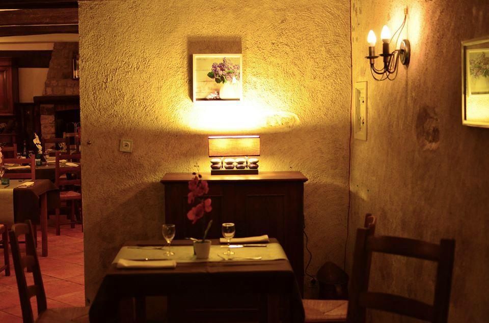 restaurant auberge la croix blanche dans combreux avec cuisine autres cuisines internationales