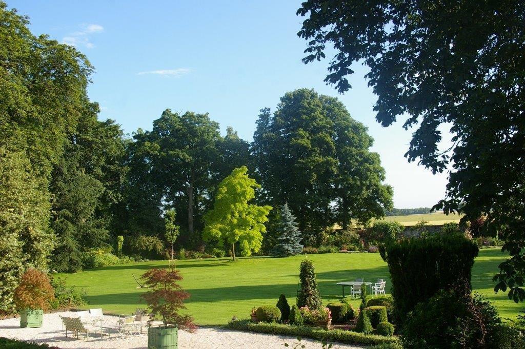 Les herbes folles maison d 39 h tes b b mauregard france for Jardin 81