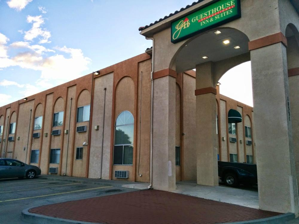 GuestHouse Inn & Suites Albuquerque