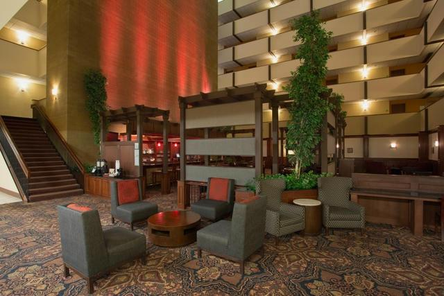 ホリデー イン ミノット リバーサイド ホテル
