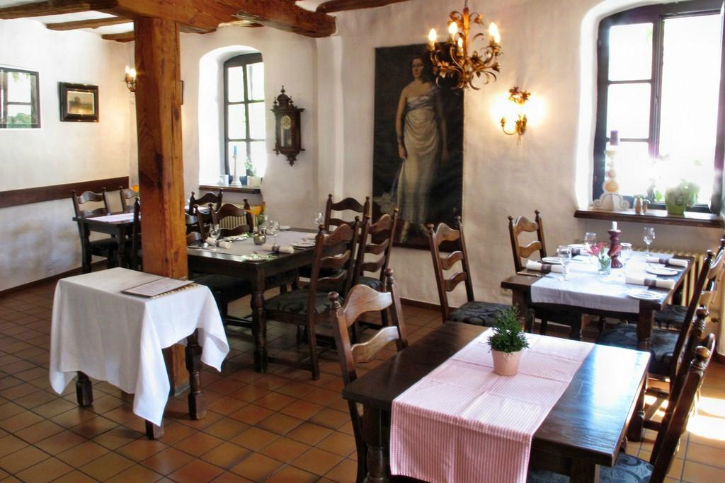 Die 10 Besten Restaurants nahe Burgruine Wachtenburg