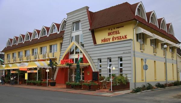 Hotel Négy Evszak