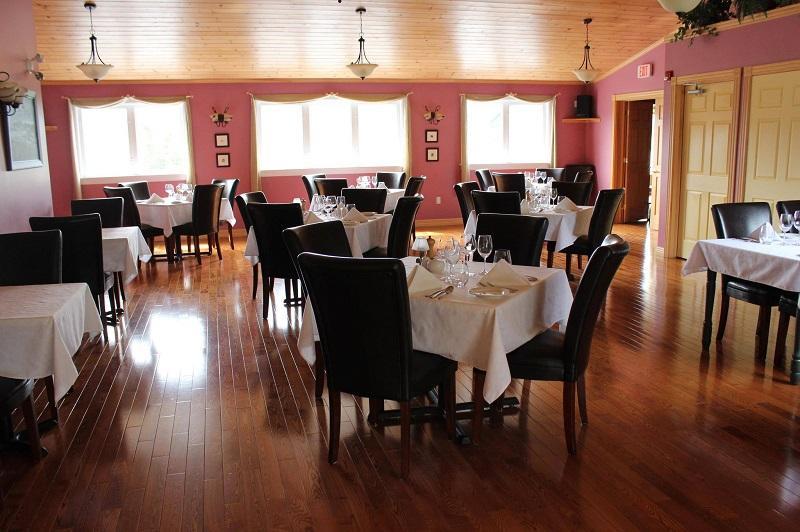 Sugar hill inn norris point canada voir les tarifs et for O significado de dining room
