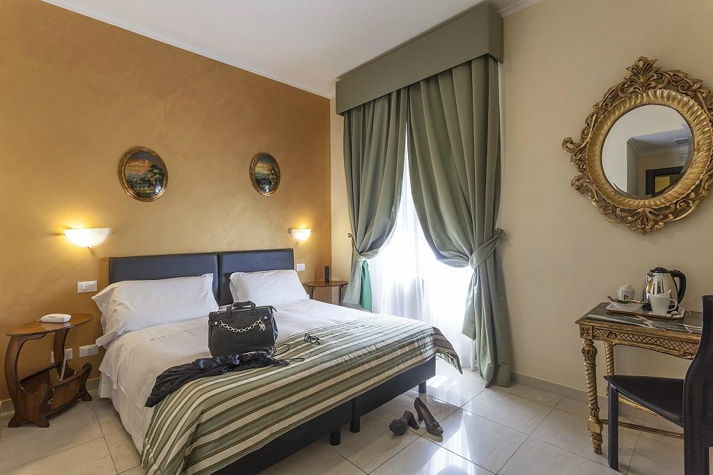 Hotel Regina Giovanna   UPDATED 2017 Prices   Reviews  Rome  Italy     TripAdvisor. Hotel Regina Giovanna   UPDATED 2017 Prices   Reviews  Rome  Italy