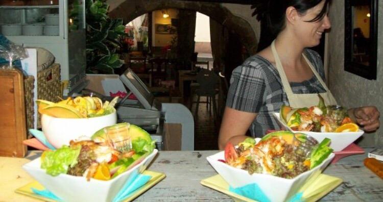 Restaurant restaurant au jardin du caveau saint jean dans for Au jardin restaurant