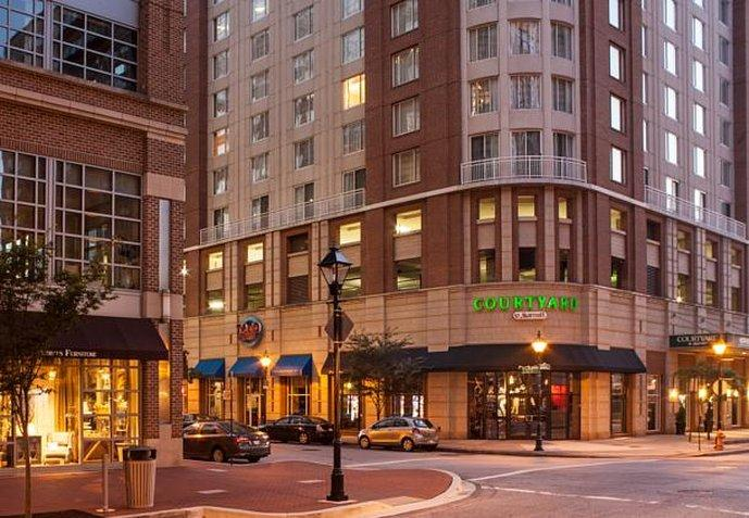Courtyard by Marriott Baltimore Downtown / Inner Harbor
