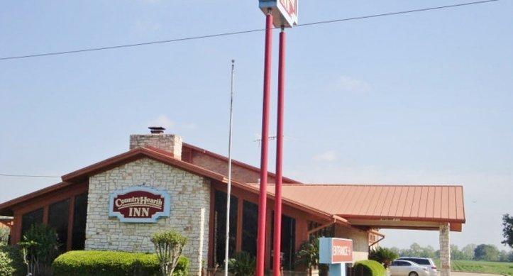 Country Hearth Inn & Suites - Wharton