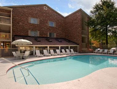 Nashville Airport Inn & Suites