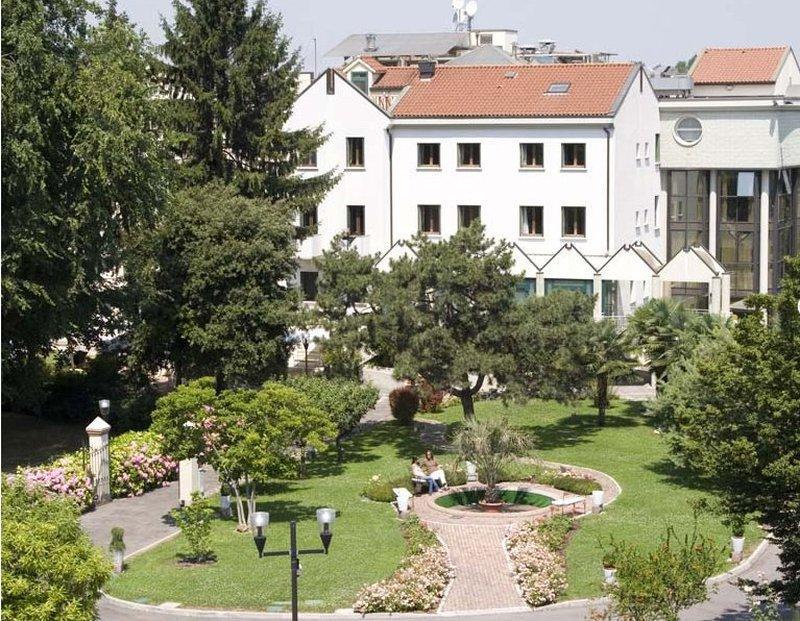 Ai Pini Park Hotel
