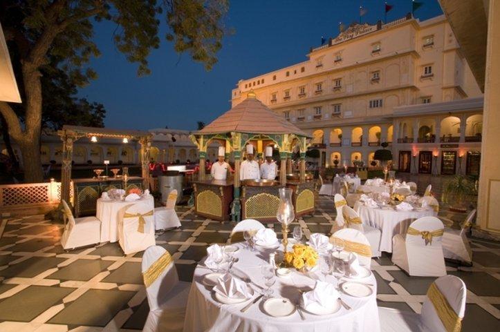 拉茲皇宮酒店