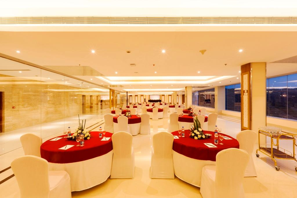United 21 the grand updated 2017 hotel reviews price for K salons professionals pune maharashtra