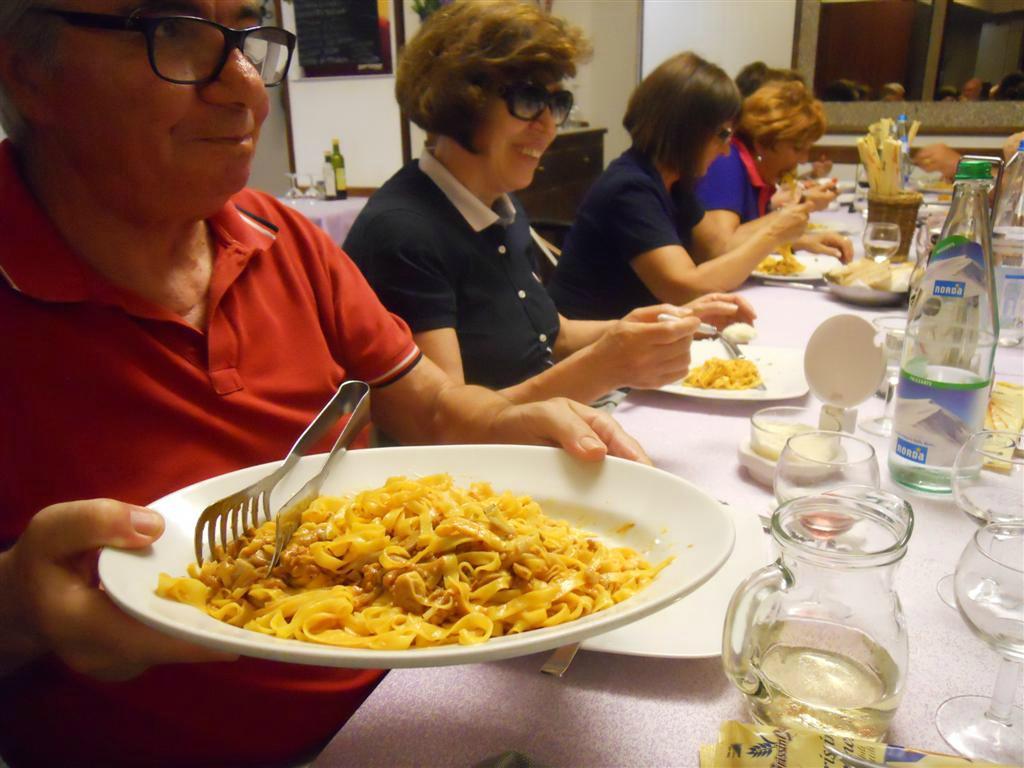 Ristorante Bar Pizzeria Primo Maggio, San Piero in Bagno - Restaurant Bewertungen, Telefonnummer ...