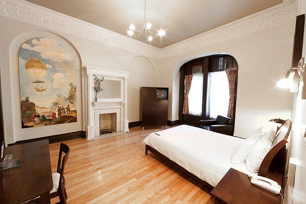 ホテル ドゥ パリ モントリオール