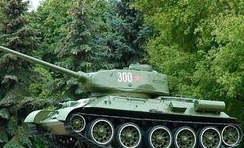 Tank Monument on the tomb of General B.S.Baharova
