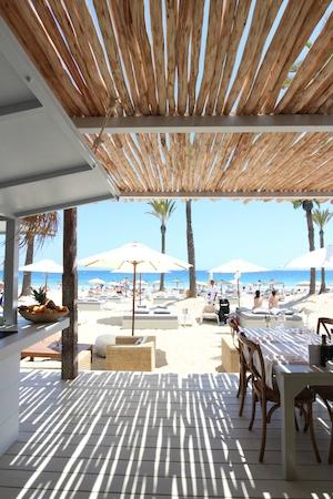 Beachouse ibiza restaurant reviews phone number for Club piscine outdoor furniture