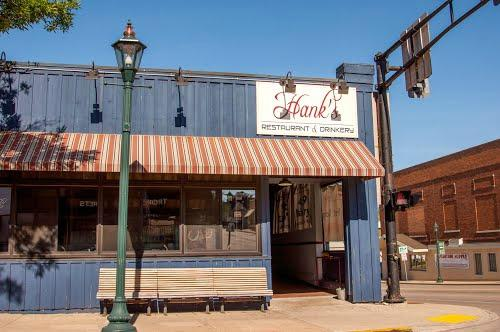 ‪Hank's Restaurant & Drinkery‬