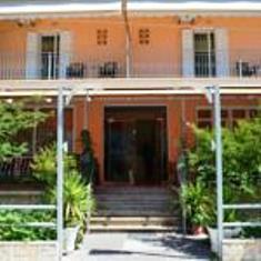 Hotel Loula