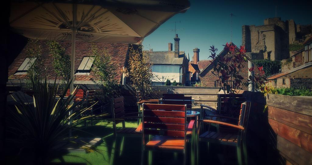 The rights of man pub lewes sussex restaurant reviews for Terrace 6 pub indore