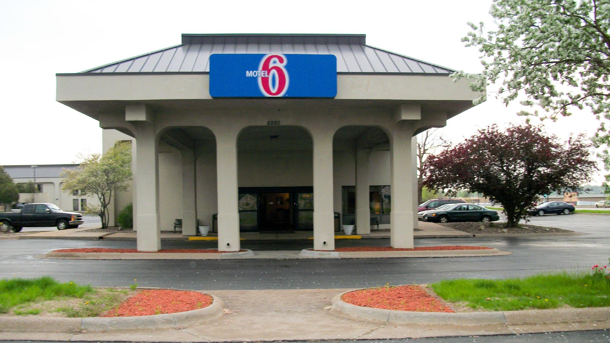 Motel 6 Quad City Airport Moline