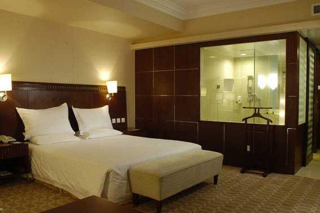 Jade Palace Hotel