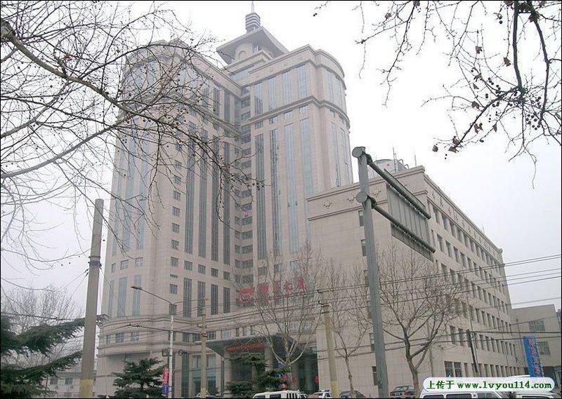 Yizheng Hotel Jinan