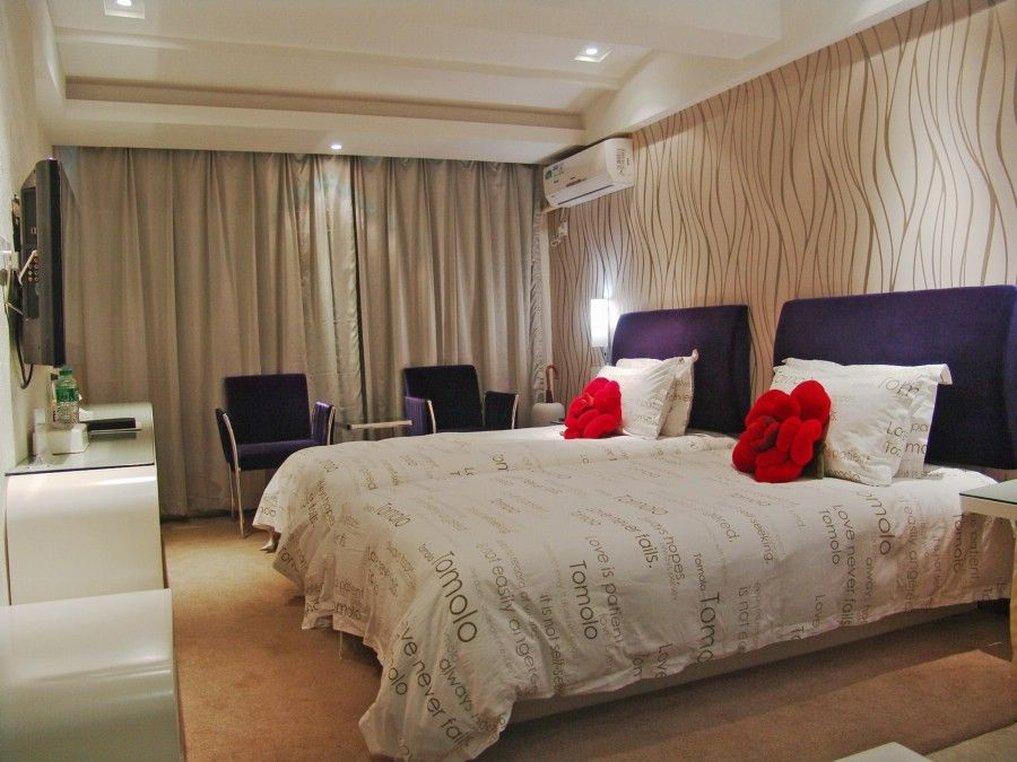 Yangtze River Tomolo Hotel Wuhan Guangbutun