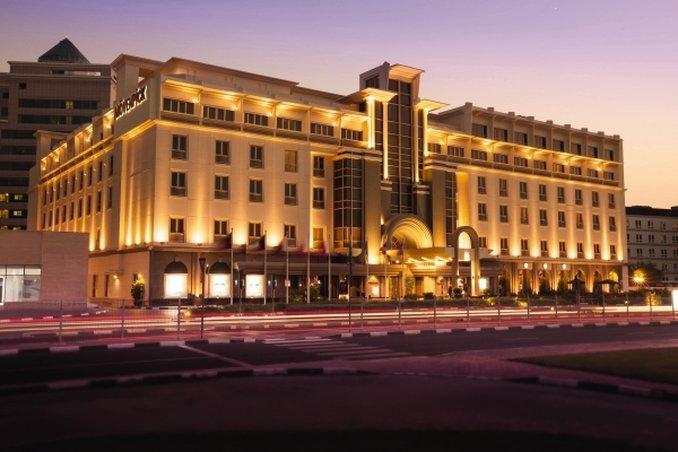 莫文皮克酒店和柏迪拜公寓