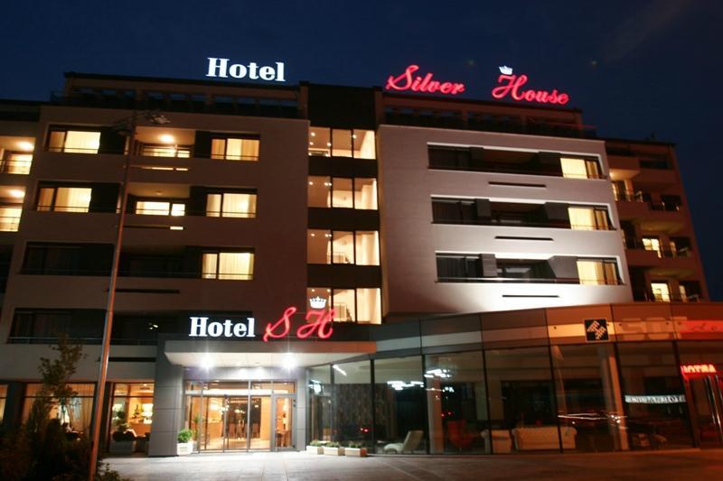 ホテル シルバー ハウス