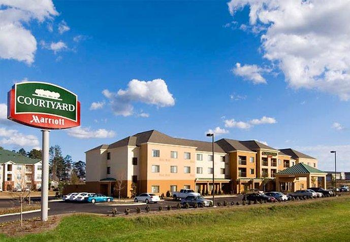 ‪Courtyard by Marriott Hattiesburg‬