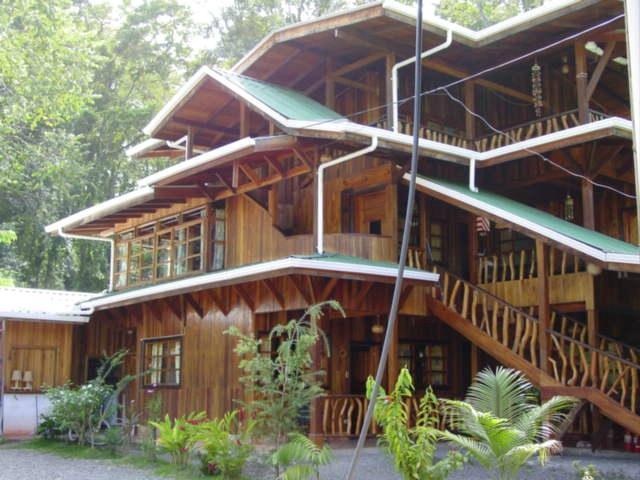 Paradise Island Lodge