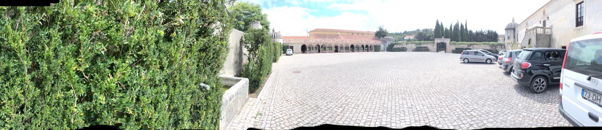 Vila Nogueira de Azeitao