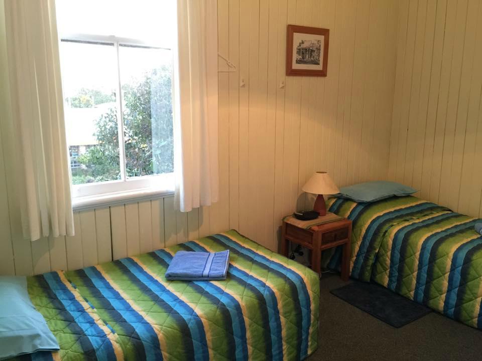 Killarney Hotel-Motel