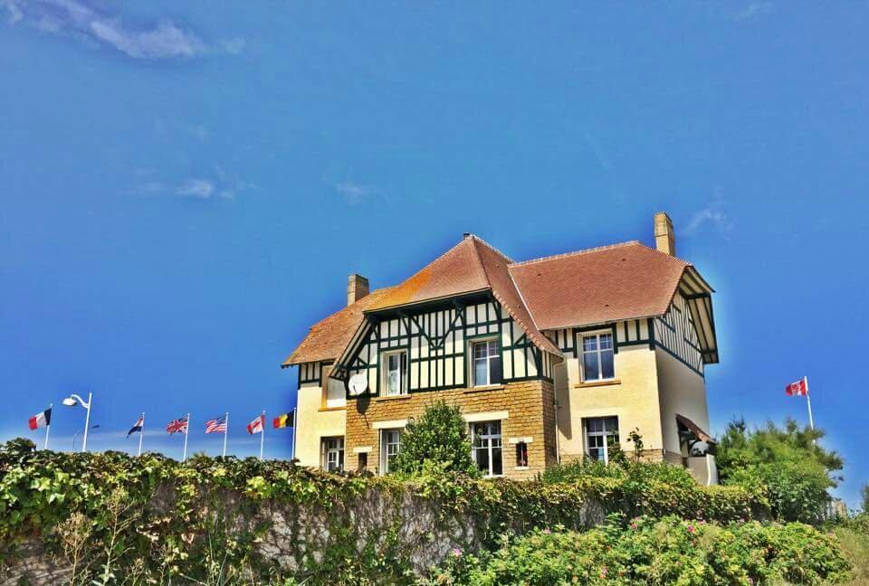 La maison des canadiens bernieres sur mer frankrig for Annonceur maison du canadien