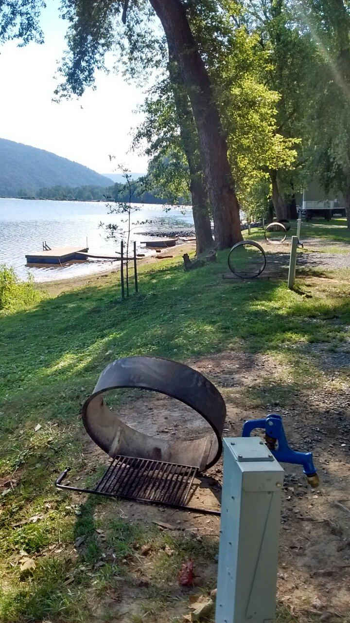 Harpers Ferry (WV) United States  city photo : Harpers Ferry Campground Lodge