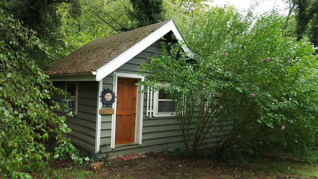 Lost Valley Lodging Cabins